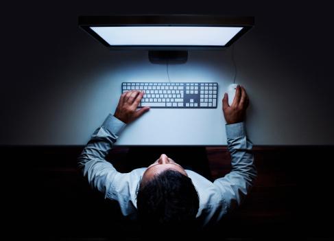 Man filing TDR Online